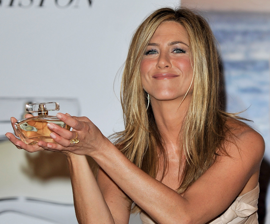 40 exciting jennifer aniston pictures slodive for Jennifer aniston 2010